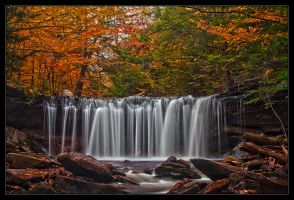 Fall at the Oneida Falls by IngoSchobert