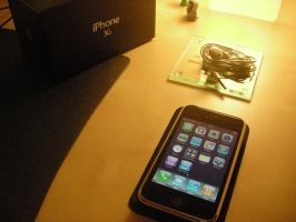 iPhone 3G by xionz
