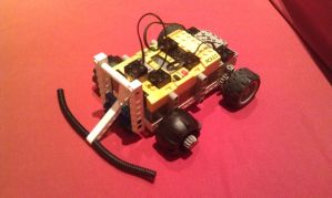 5-Minute LEGO RCX Robot by foxhead128