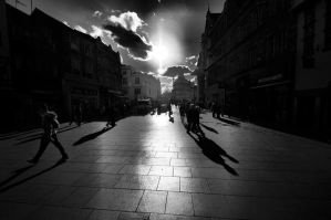 The sun always shines on High St by daliscar