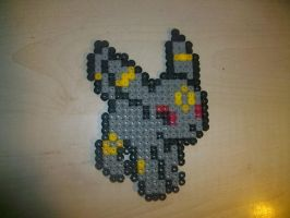 Comission: Umbreon bead by naruedyoh