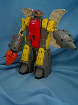 Omega Supreme by GiantGeekyRobot