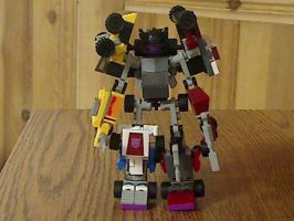 Kre-O Menasor with Brakeneck/Wildrider added by illiniguy34