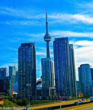 CN Tower by andrecln