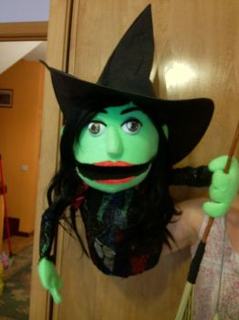 Elphaba the wicked witch of the west puppet by saethewitch