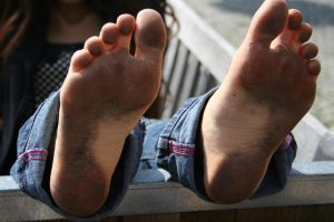 Dirty barefoot jeans 7 by pn99