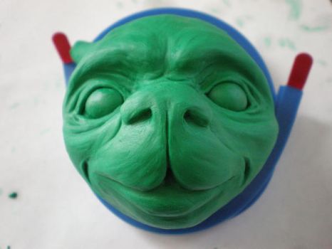 clay head front by betani