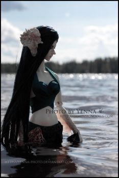 Dark Siren by yenna-photo