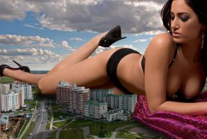Giantess in Russia by Accasbel