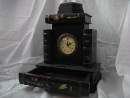 Clock Box V by misfit-t0y-st0ck
