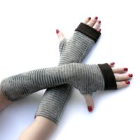 Striped Fingerless Gloves Arm warmers by WearMeUp