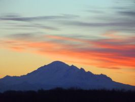 Mt Baker  morning of 02-06-14 by SkyfireDragon