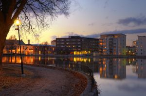 An Evening in City Park VIII by HenrikSundholm