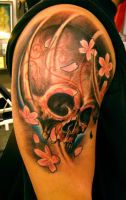 skull tattoo and flowers by jrunin