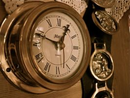 Old Clock by CKPhotos