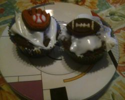 Birthday Cup Cakes (Two) by Hannah2070