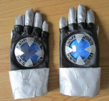 KHR- Tsuna's X-gloves by Niicchan