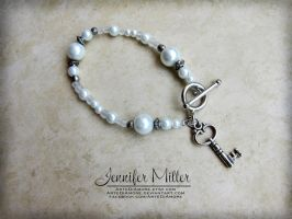 White Glass Pearl Bracelet Wedding Cake Pulls by ArteDiAmore
