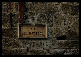 Via S. Matteo by snoopersen