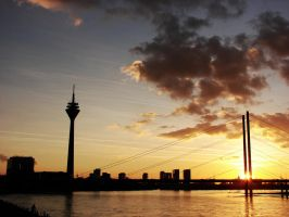 Rheinturm by soonumb
