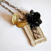 Victorian Doll Tiny Necklace by RagDolliesMadhouse