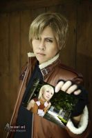 Leon S. Kennedy Cosplay by kimberlystudio
