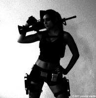 Black and White Lara by illyne