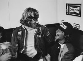 James Hunt | Barry Sheene (1976) by F1-history