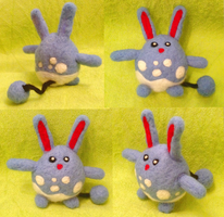 Selfmade Azumarill plushie by kovuification
