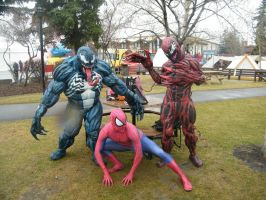 venom and carnage at calgary expo 2014 by mongrelman