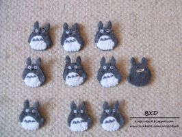 Totoro - badges by nezstorm