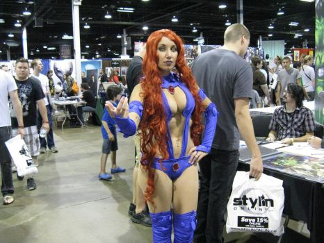 Starfire - Comic-Con Chicago 2012 by ShadowRoadz