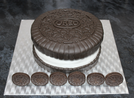 Oreo Cake by betty002