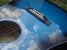 look the sky in my guitar... by sarapunk