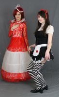 Dark Alice and the red queen by MajesticStock