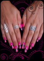 tuning nails by Tartofraises