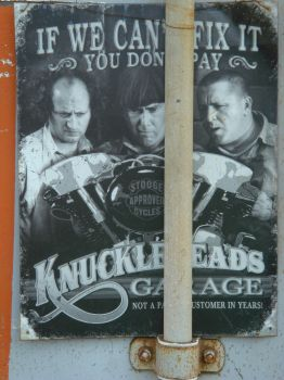 KnuckleHeads by Designdivala