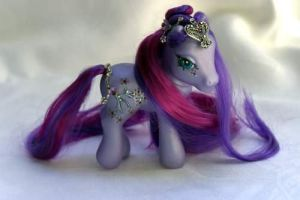 2007 - Ultra Violet by Cuddlyparrot