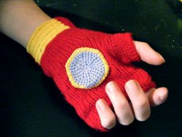 Iron Man gloves by Gipsyeyes