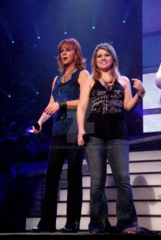Kelly Clarkson a Reba McEntire by Crushn421