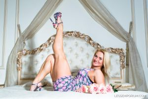 Beautiful Smile and Great Legs - Jewel - LE by LegsEmporium
