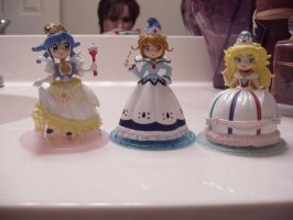 Twin Princess Figures by KittyChanBB