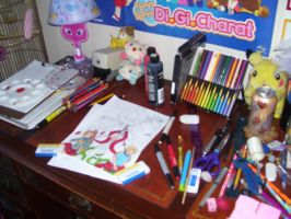 ahahaha My desk by Haileyjo13