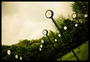 Clocks no 2 by SausDamR