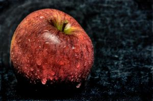 Red Apple by cathy001