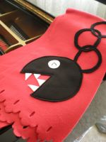 Red Chain Chomp Scarf by Omonomopoeia