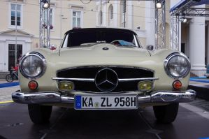 smack front Mercedes by tanja1983