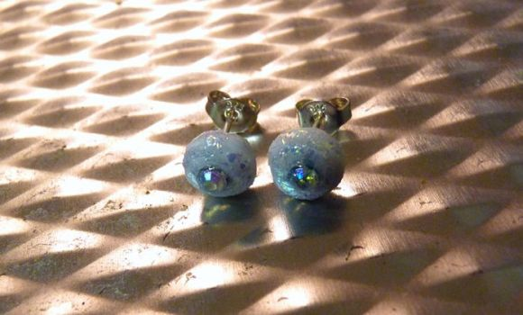 White Sparkly Stud Earrings by Divulged