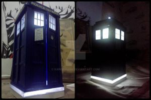 Doctor Who: Tardis by kanoemushi