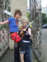 Roxas and Sora by FullMetalWing